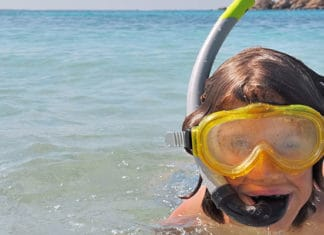 Stop-Your-Snorkel-Mask-From-Fogging-Up