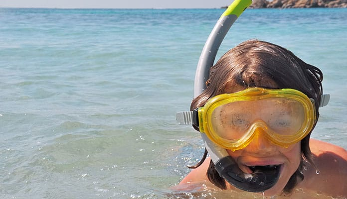 How To Stop Your Snorkel Mask From Fogging Up