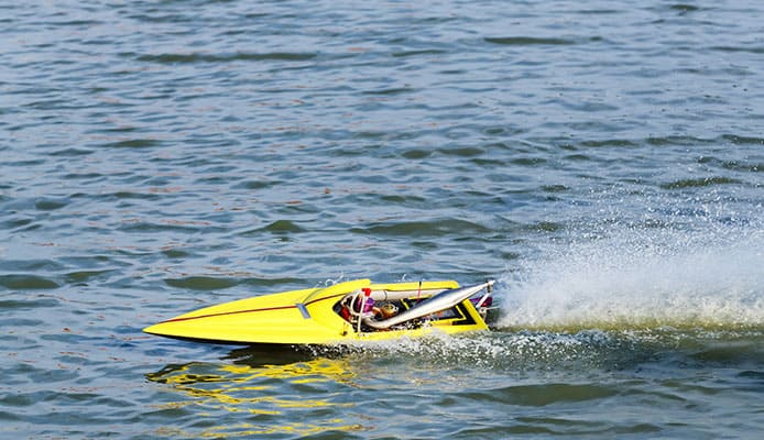 10 Best Remote Control Boats Reviewed In 2019 | Reviews - Globo Surf