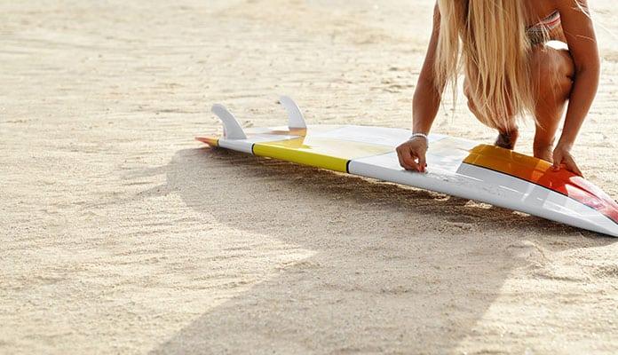 How-Do-I-Wax-My-Surfboard