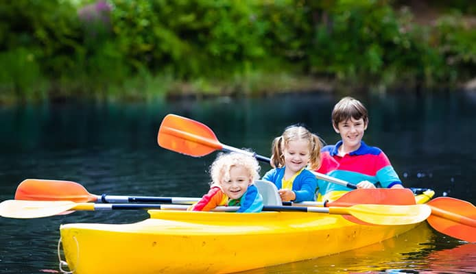 How-To-Choose-The-Best-Kayaks-for-Kids---Buying-Guide