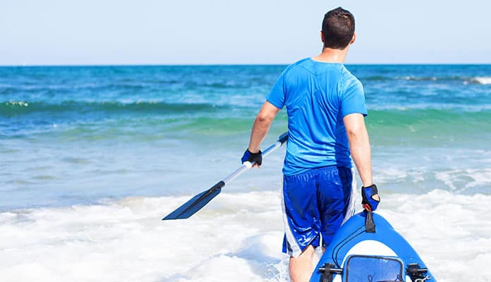 How-to-Carry-a-Kayak-when-Youre-Alone