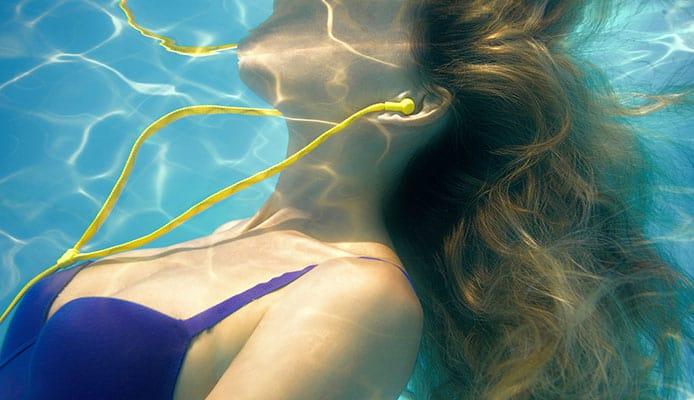 How-to-Choose-The-Best-Waterproof-Headphones---Buying-Guide