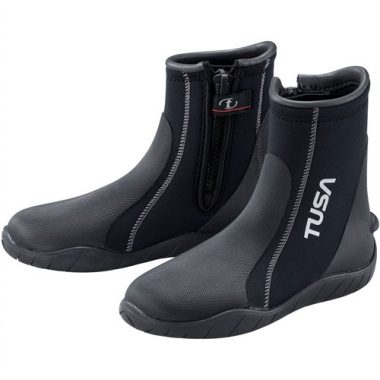 624296cc3796 10 Best Dive Boots Reviewed in 2019