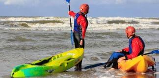 Coastal_water_sport_with_sit_on_top_kayaks