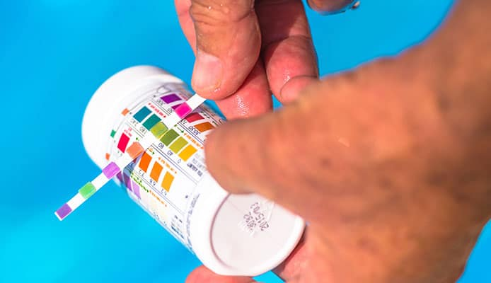 How_To_Use_A_Pool_Test_Kit_To_Test_Water_Quality