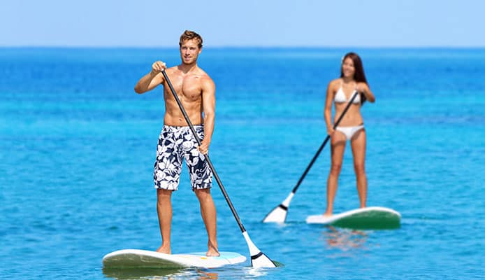 Paddleboard_beach_people_on_stand_up_paddle_board