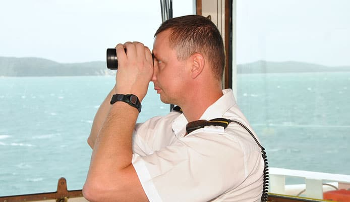 Why_Do_I_Need_Special_Marine_Binoculars