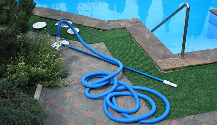 Beginner\'s Guide To Pool Maintenance Schedule In 10 Steps ...