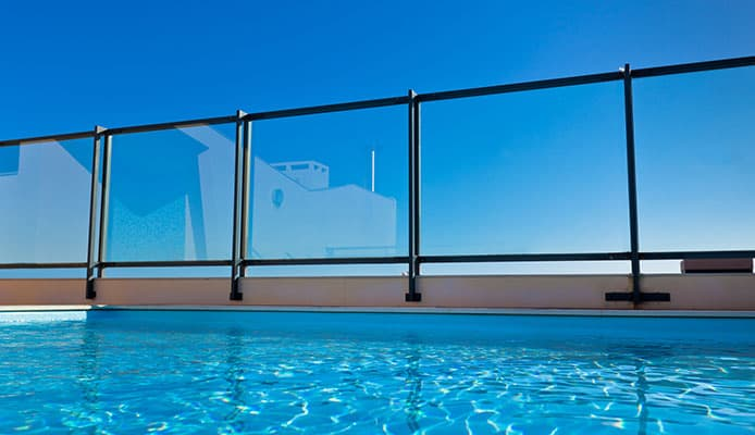 How_To_Choose_A_Pool_Fence