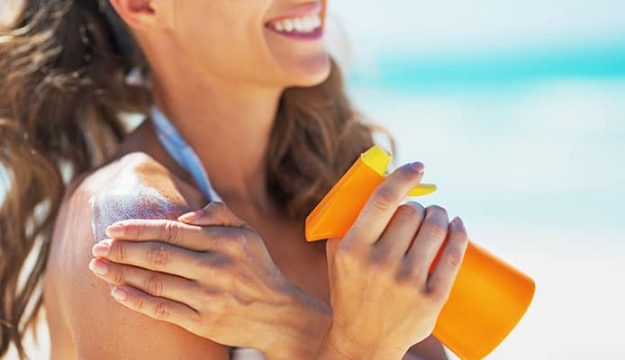 How_to_apply_sunscreen_correctly
