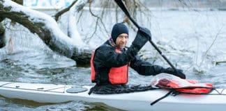Winter_Kayaking_Safety_Precautions