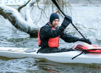 Winter_Kayaking_Safety_Precautions