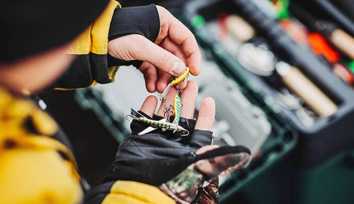 How_To_Choose_Ice_Fishing_Lures