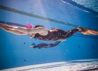 How_To_Swim_Like_A_Mermaid_-_10_Steps_Guide