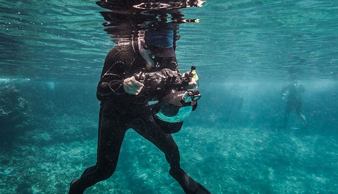 How_to_Choose_An_Underwater_Camera_Housing