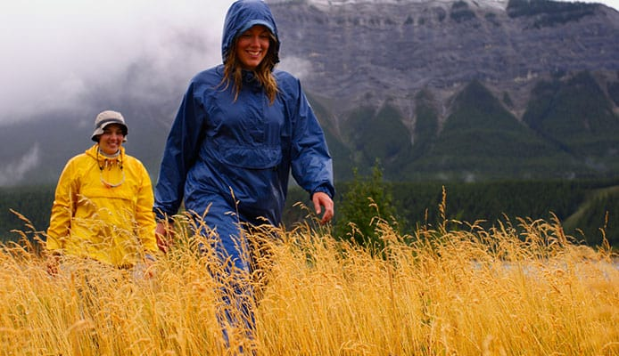 10_Tips_For_Hiking_And_Backpacking_In_The_Rain
