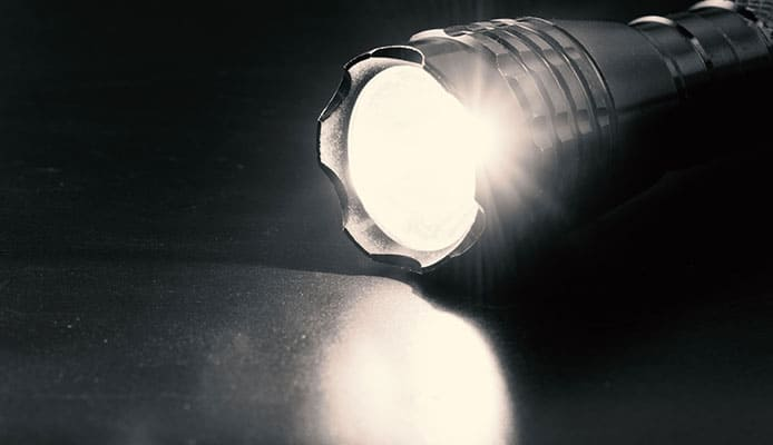How_To_Choose_A_Flashlight_(2)