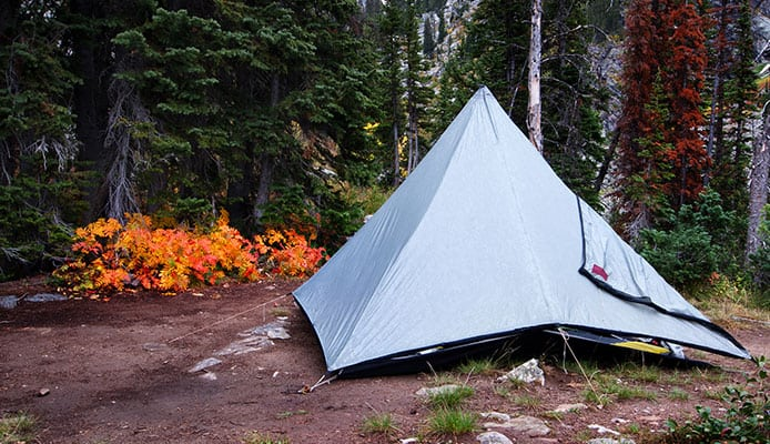 How_To_Set_Up_A_Camping_Tarp