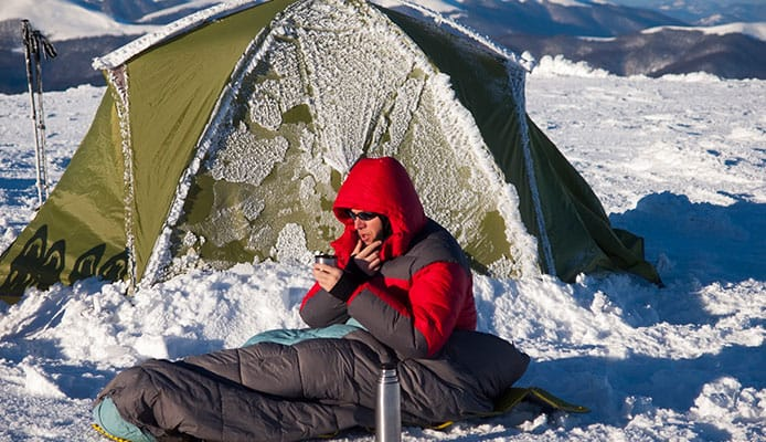 How_to_Choose_the_Right_Sleeping_Bag_for_Winter