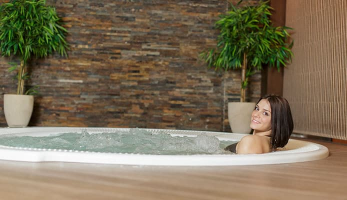 10_Hot_Tub_Health_Benefits_You_Never_Knew