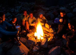 Get_Campfire_Smell_Out_of_Clothes_In_3_Easy_Steps