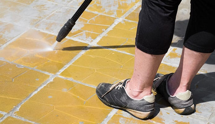 How_To_Choose_A_Patio_Cleaner