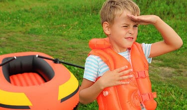 how_to_choose_an_inflatable_life_jacket