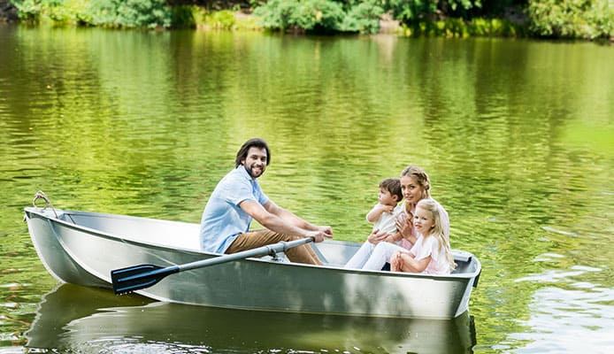 How_To_Sit_In_A_Canoe