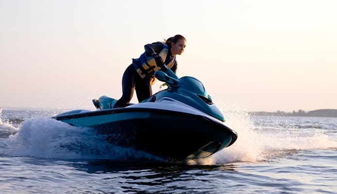 What_Is_The_Difference_Between_A_Regular_Life_Vest_And_Jet_Ski_Life_Vest