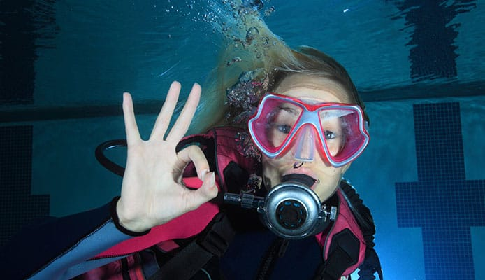 15_Most_Common_Scuba_Diving_Hand_Signals_You_Should_Always_Remember