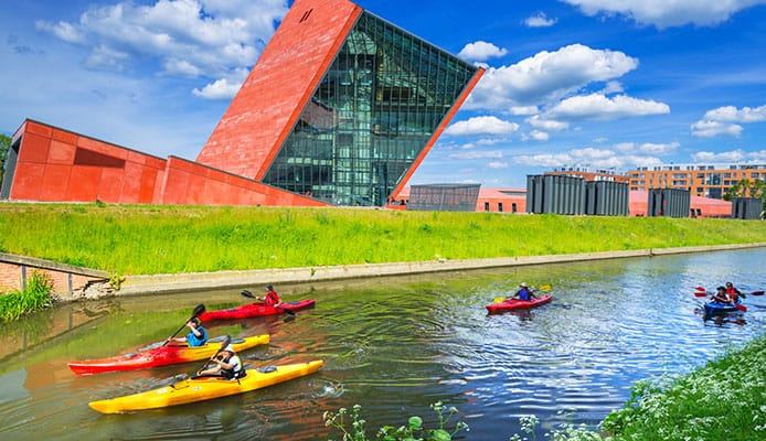 Cleaning_and_Waxing_Your_Composite_or_Plastic_Kayak