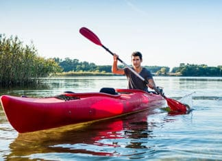 How_To_Get_Into_A_Kayak_With_Bad_(Or_Stiff)_Knees_And_Start_Kayaking