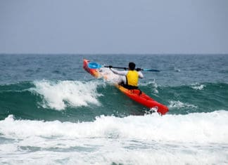 Kayak_Surfing_10_Step_Easy_Guide