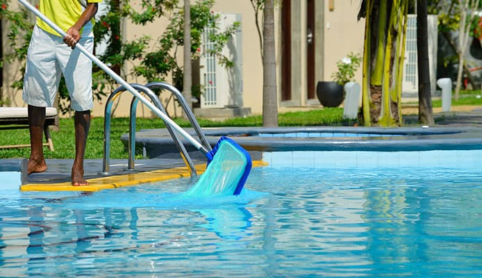 Swimming_Pool_Tips_Save_Money_On_Your_Pool_Maintenance