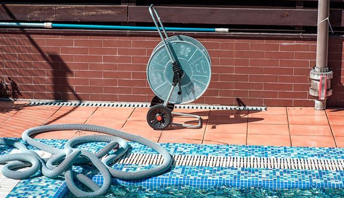 What_Are_The_Benefits_Of_Swimming_Pool_Vacuum_Hoses
