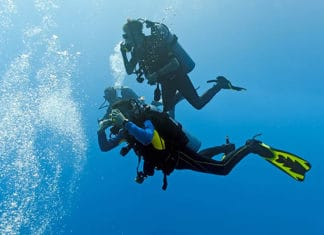 10_Best_Diving_Spots_In_Iceland
