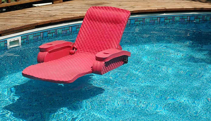 10 Best Pool Lounge Floats in 2019 [Buying Guide] - Globo Surf