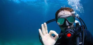 Can_You_Scuba_Dive_With_Glasses_or_Contact_Lenses