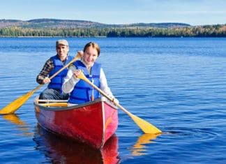 Canoe_Materials_Aluminum_Vs._Fiberglass_Canoe