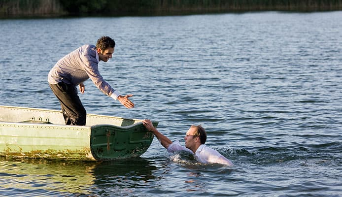 Man_Overboard_Sailing_Rescue_Maneuver