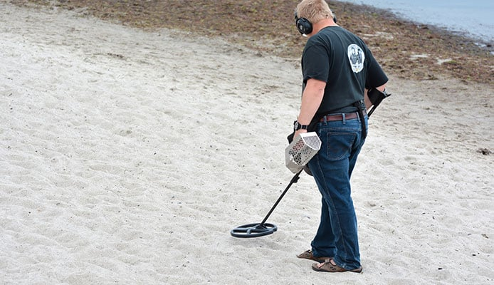 Why_is_Saltwater_Metal_Detecting_So_Challenging