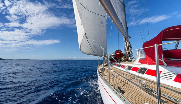 How_to_Use_a_Topping_Lift_In_Sailing