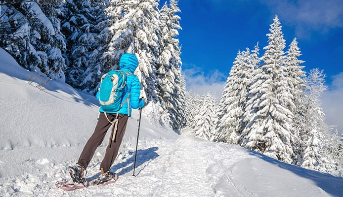 Snowshoe_Hiking_Gear_And_Equipment