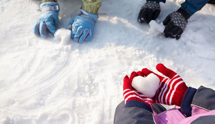 What_Is_The_Difference_Between_Ski_Gloves_And_Mittens