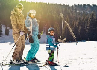 10_Best_Base_Layers_For_Skiing_In_2019