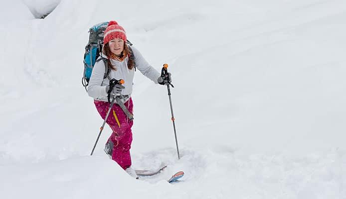 How_To_Attach_Splitboard_Snowboard_Skins