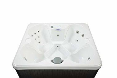 Hudson Bay Spas 4-People Hot Tub