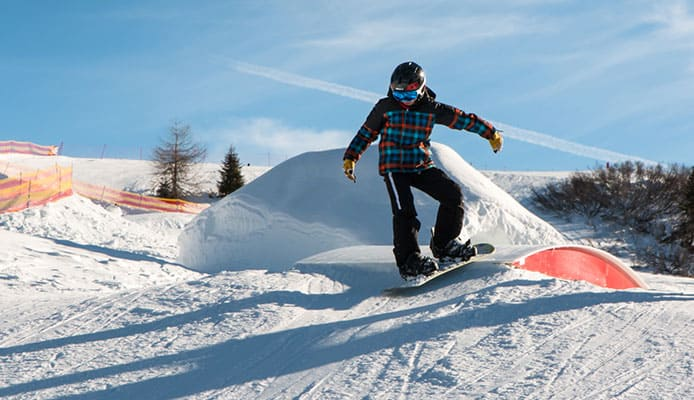Things_to_Keep_in_Mind_When_Teaching_Kids_to_Snowboard