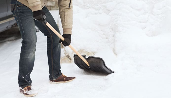 How_To_Choose__Snow_Shovel